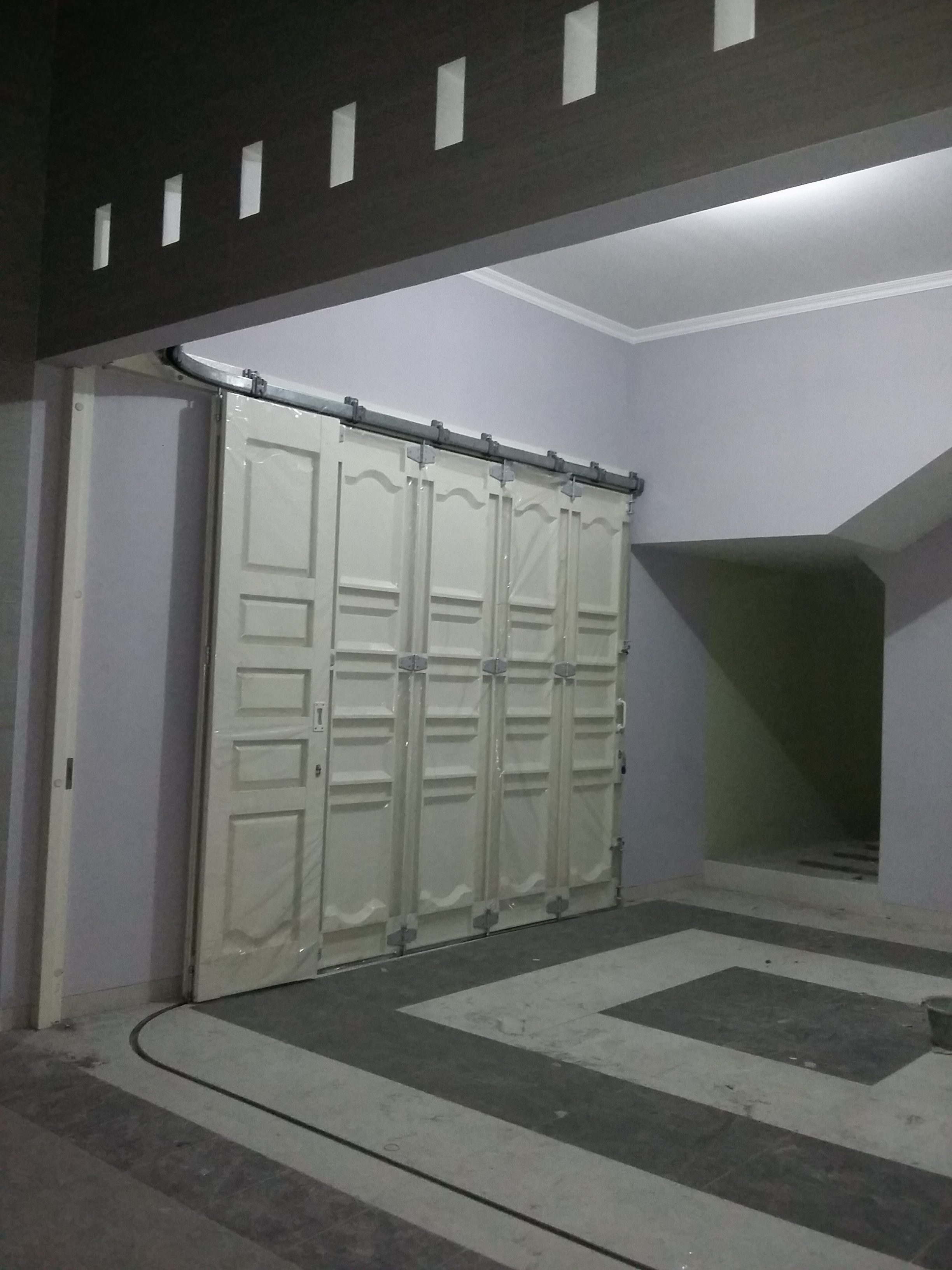 pintu garasi sliding semarang