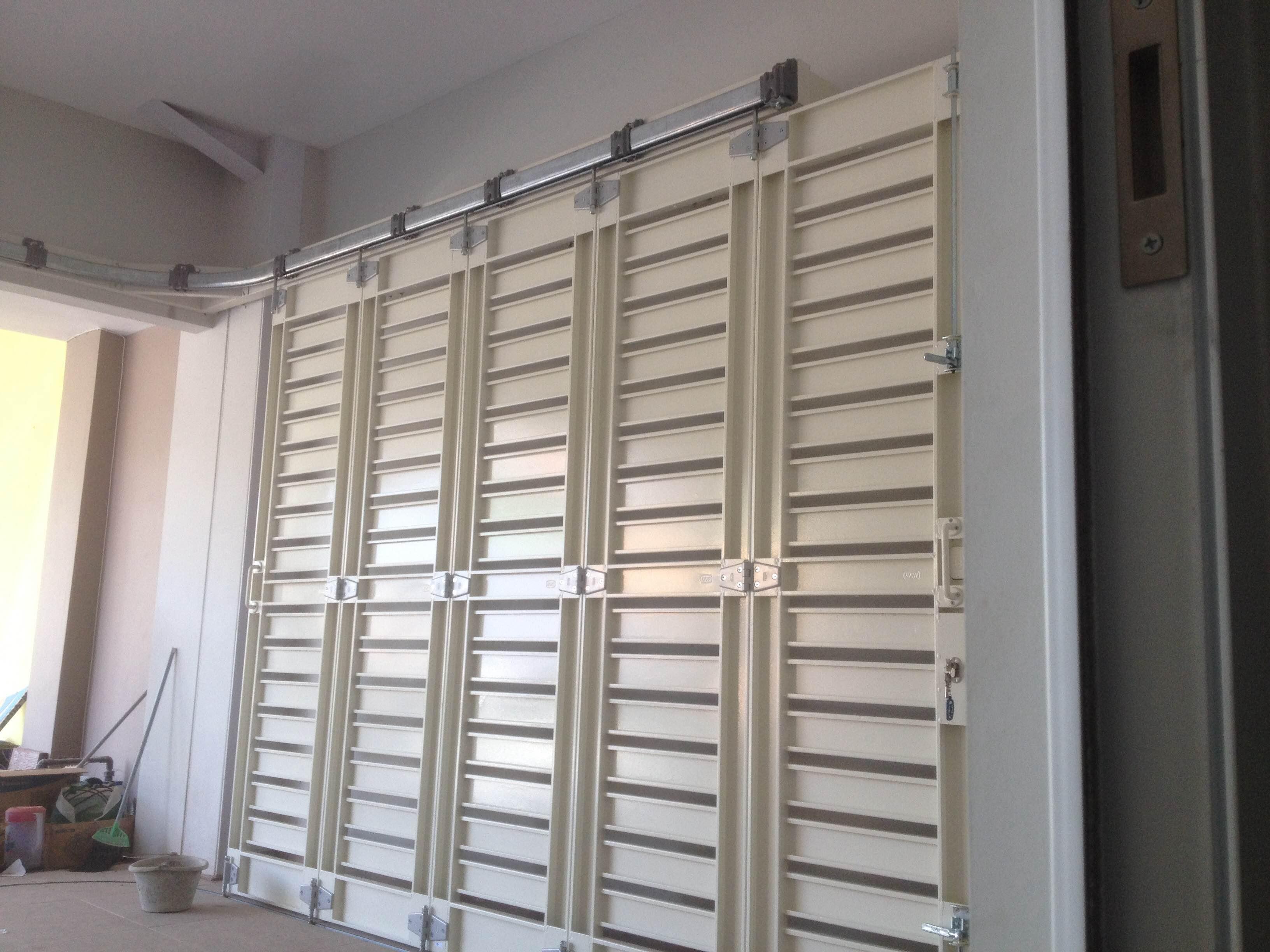 pintu sliding / dorong tikung